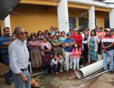 Vecinos de Chinique, Quiché, exigen que se concluyan proyectos abandonados por la comuna. (Foto Prensa Libre: Héctor Cordero).
