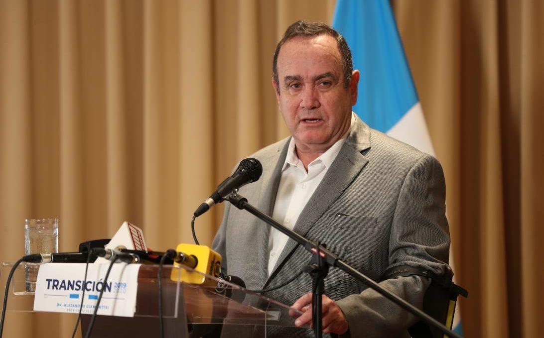 El presidente electo Alejandro Giammattei habló sobre Venezuela. (Foto Prensa Libre: Carlos Hernández Ovalle)