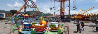 Más de 30 juegos se instalan en Cefemerq por la Feria Centroamericana de la Independencia. (Foto Prensa Libre: María Longo)