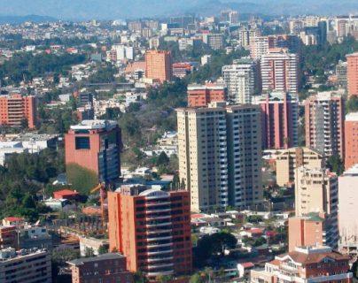 En varias zonas de la capital y en áreas de 14 departamentos de Guatemala se registró un apagón debido a fallas en el sistema de electricidad regional. (Foto, Prensa Libre: Hemeroteca PL).