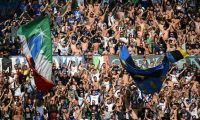 Los gritos imitando aullidos de mono de la afición del Inter ha abierto polémica en el deporte europeo. (Foto: AFP)