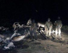 En junio de 2019, soldados se enfrentaron contra narcotraficantes luego de haber hallado una narcoavioneta en Izabal. (Foto Prensa Libre: Hemeroteca PL)