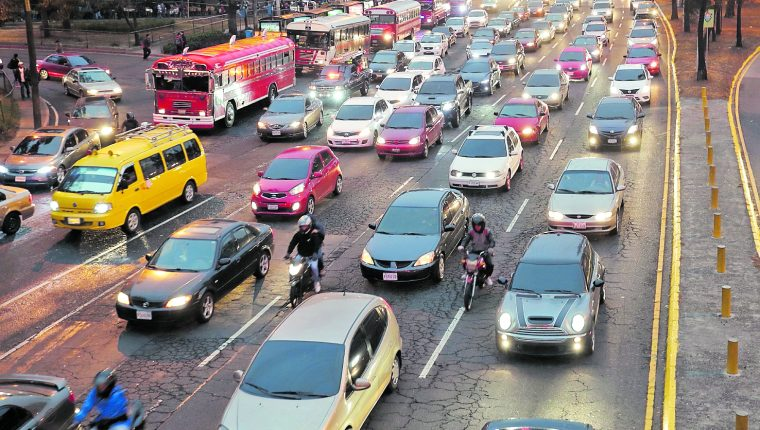 La nueva tasa del impuesto sobre circulación estará vigente a partir del 1 de enero de 2020. (Prensa Libre: Hemeroteca