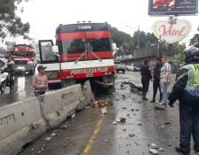 Los cuerpos de socorro no reportaron heridos en el percance.(Foto Prensa Libre: cortesía)
