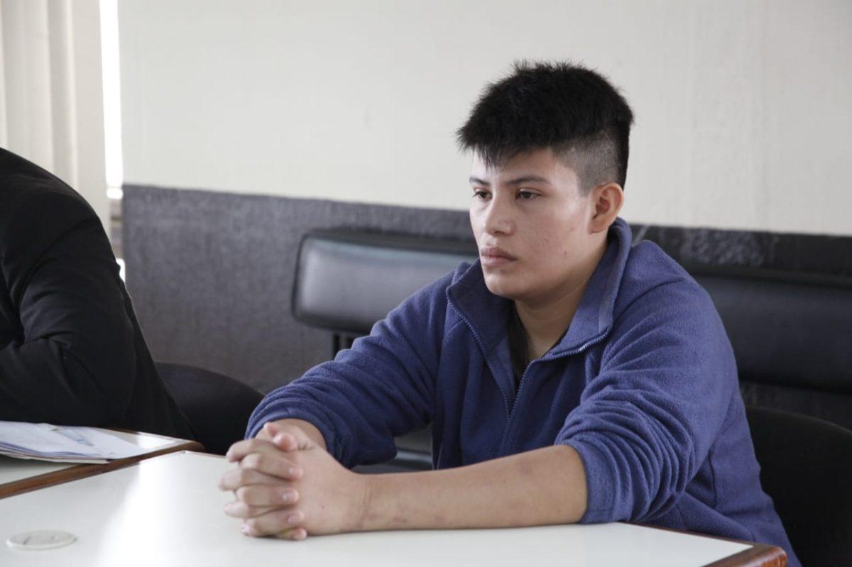 Carnicero enfrenta juicio por matar a su jefe, mexicano, con un machete