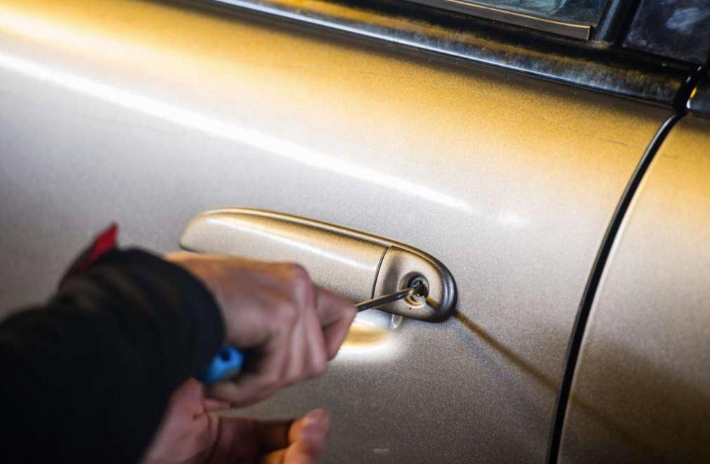 Capturan a banda que robaba carros en gasolineras y centros comerciales