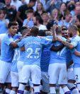 Los jugadores del City festeja uno de los ocho goles del triunfo frente al colista Watford. (Foto Prensa Libre: AFP).