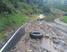 Las lluvias de las últimas horas provocaron un derrumbe de regular tamaño en San Pedro Sacatepéquez, San Marcos. (Foto Prensa LIbre: Conred)