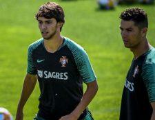Joao Felix y Cristiano Ronaldo son las armas de Portugal para enfrentar a Serbia y Lituania. (Foto Prensa Libre: AFP).