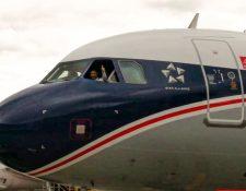 Aeronave pintada en Guatemala con los colores que tuvieron las primeras aeronaves de la compañía. (Foto Prensa Libre: Avianca)