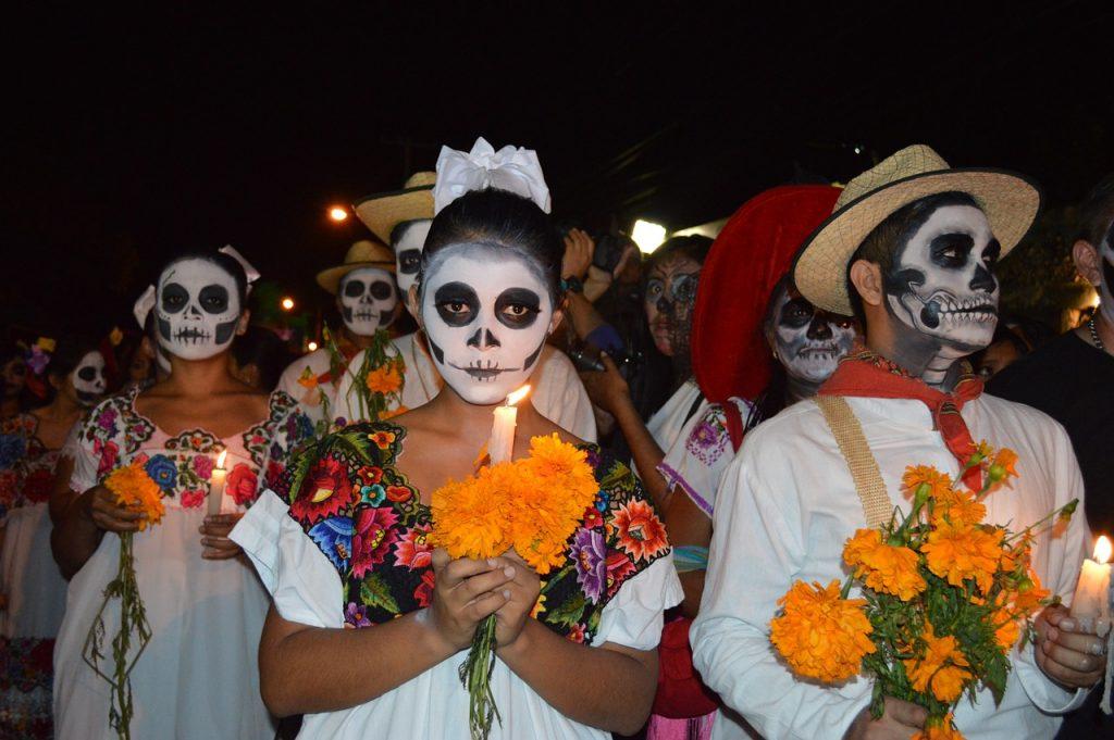 Cómo es la Barbie para honrar el Día de los Muertos en México