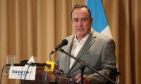El presidente electo, Alejandro Giammattei en conferencia de prensa. (Foto Prensa Libre: Carlos Hernández Ovalle)
