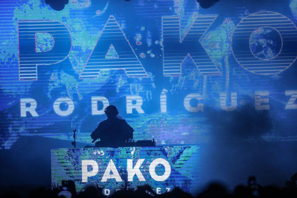 El Dj Pako Rodríguez fue el encargado a cerrar el Festival de Independencia y con sus mezclas puso a bailar a los asistentes. (Foto Prensa Libre: Keneth Cruz)
