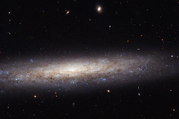 """Algunas galaxias forman una """"X"""" en el espacio y esta es la razón"""