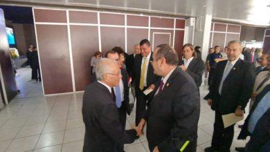Alejandro Giammattei recibe sus credenciales como presidente electo
