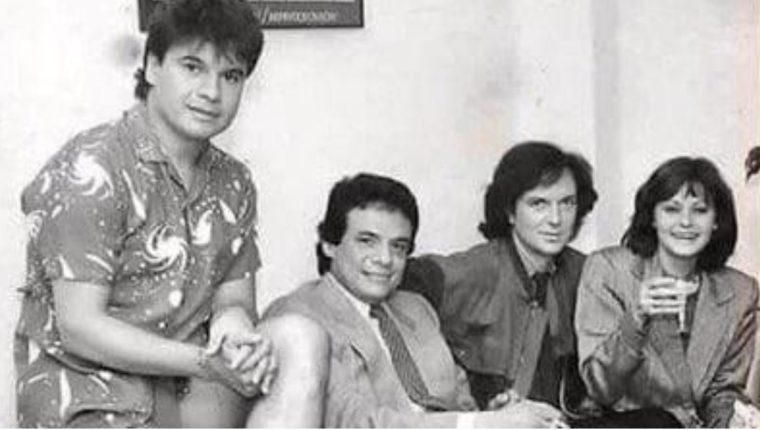 José José junto a Juan Gabriel, Camilo Sesto y Rocío Durcal en una foto de 1984.