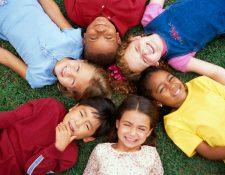 Los padres deben proveer los medios para que sus hijos crezcan con salud integral en todos los ámbitos.
