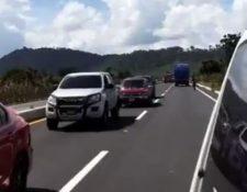 Filas de vehículos en el Libramiento de Chimaltenango.