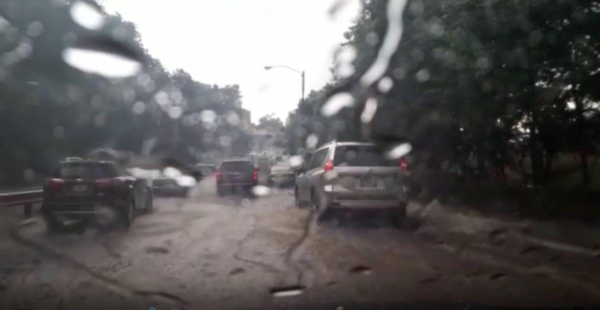 Lluvia y granizo complica el tránsito en el área metropolitana