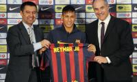 Neymar el día de su presentación con el FC Barcelona. (Foto Prensa Libre: Hemeroteca PL)
