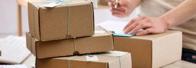El servicio de mensajería y envío de paquetes es un modelo de negocio rentable si está bien organizado. (Foto Prensa Libre: Shutterstock)