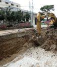 En la Avenida Petapa y 35 calle, zona 12, se construye un paso a desnivel. (Foto Prensa Libre: Oscar Rivas)