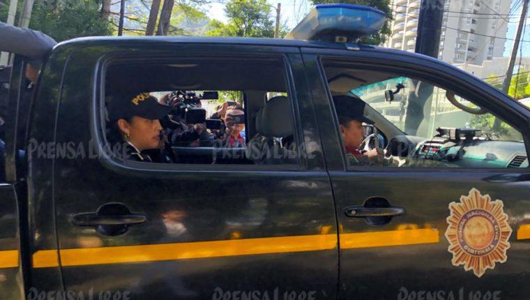 El traslado de la candidata Sandra Torres. (Foto Prensa Libre: La Red)