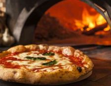 La pizza napolitana es considerada uno de los mejores platillos del mundo. (Foto Prensa Libre: Forbes)