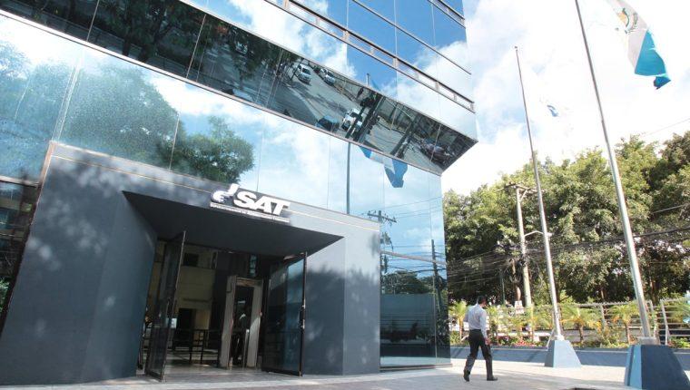 SAT detecta inconsistencias en más de 40 mil contribuyentes