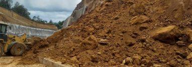 Nuevos deslizamientos se registran en el Libramiento de Chimaltenango. (Foto: Conred)