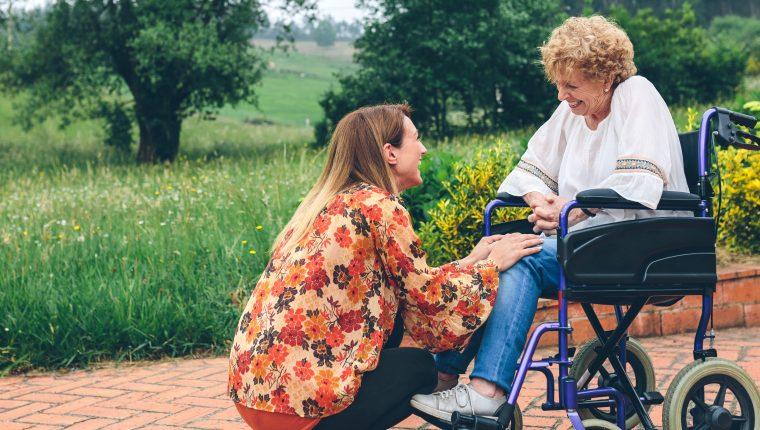 Los cuidados paliativos preparan al paciente y la familia para todo el proceso de una enfermedad.  (Foto Prensa Libre: Servicios).