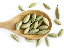 Masticar semillas de cardamomo elimina las bacterias que están en la boca y por consiguiente, elimina el mal aliento. (Foto Prensa Libre: Servicios)