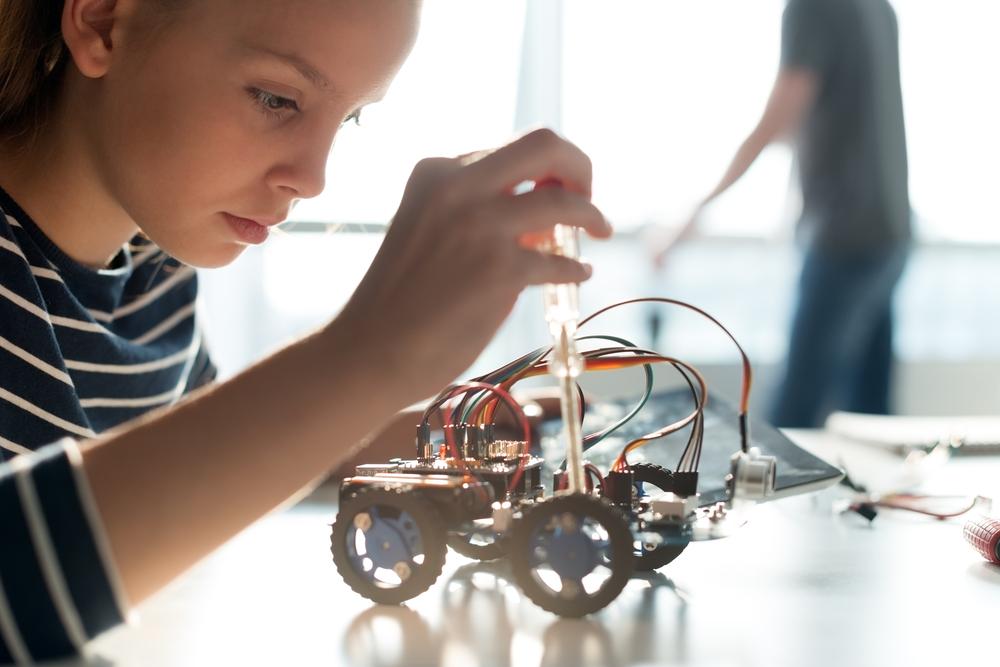 Robótica: competencias interescolares integran la ciencia y tecnología a la educación