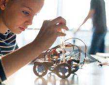 La robótica es ahora una disciplina presente en la educación de la niñez. (Foto Prensa Libre: Servicios).