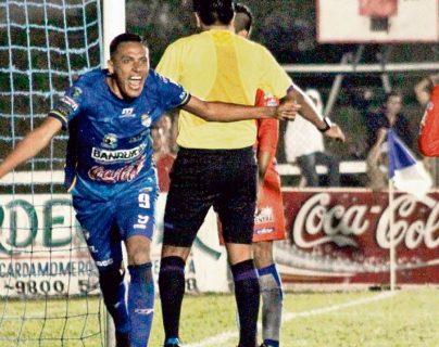 Cobán Imperial confirma la continuidad del delantero Gerson Tinoco