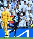 La afición del Real Madrid abucheó a Thibaut Courtois por su participación en el partido contra el Brujas. (Foto Prensa Libre: AFP)