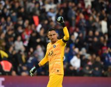 Keylor Navas vive una nueva etapa de su carrera futbolística en el París Saint-Germain. (Foto Prensa Libre: AFP)