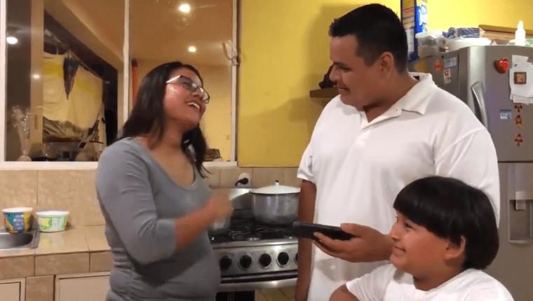 Comunicaciones publicó en sus redes sociales un video con el que promocionan el Clásico 308 de una particular manera. (Foto Prensa Libre: Twitter @cremasoficial)