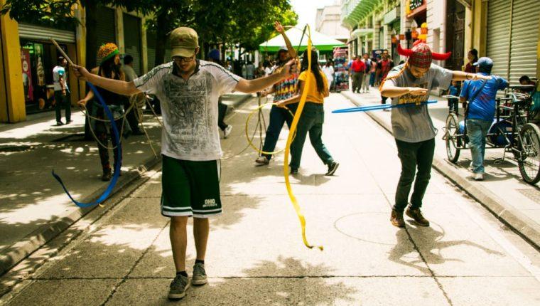 El primer reto de la Bienal en Resistencia consistió en llevar el arte a la calle