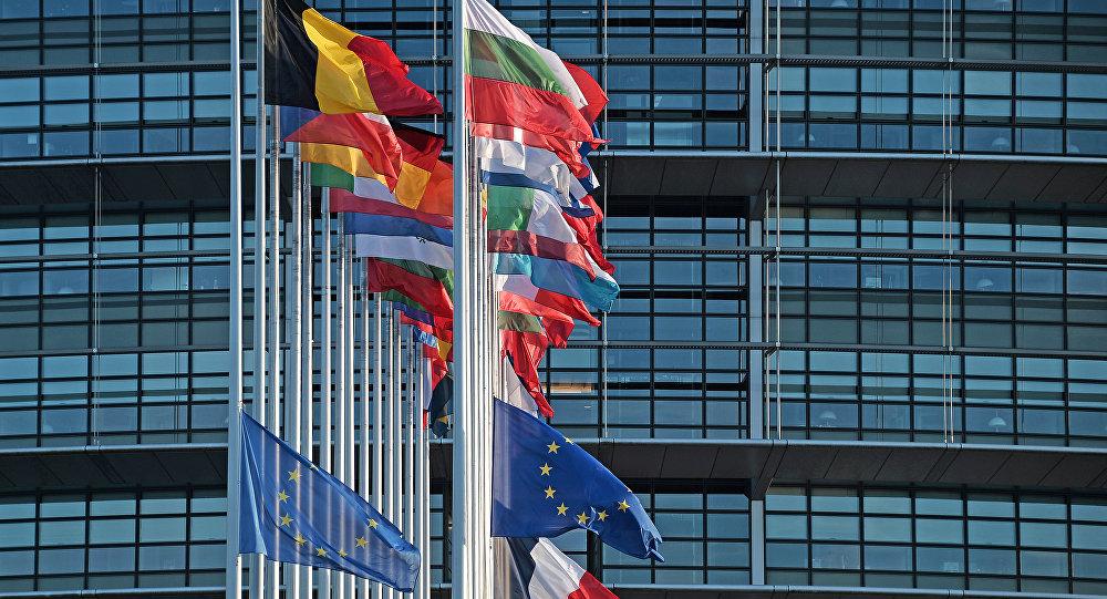 Ahora contra la Unión Europea: Donald Trump impone aranceles por US$7 mil 500 millones
