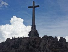 Las sepulturas de los tres militares latinoamericanos en Madrid un ocupan segundo plano y no despiertan la polémica del Valle de los Caídos.
