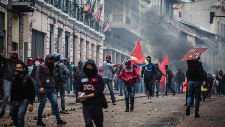 Los enfrentamientos entre policía y manifestantes fueron muy violentos. RODRIGO BUENDIA / AFP
