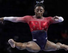 Simone Biles volvió a marcar un récord femenino en el Mundial de Gimnasia de Alemania y ya lleva acumuladas 21 medallas.