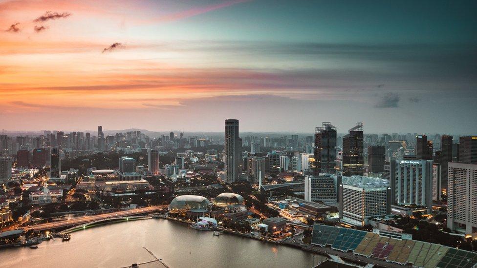 Singapur, el pequeño país que destronó a Estados Unidos como el más competitivo del mundo (y quiénes lideran en América Latina)
