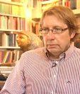 El profesor de Oxford, Dirk Obbink, es uno de los estudiosos de documentos antiguos más reconocidos en el mundo.