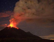 El volcán activo Popocatépetl se ubica entre Ciudad de México y Puebla, dos de las urbes más pobladas del país.