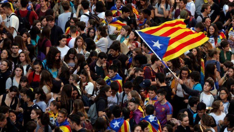 Decenas de miles de catalanes han salido estos días a las calles.