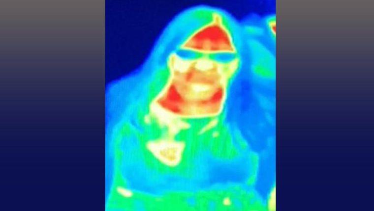 La cámara térmica mostró que un seno de Gill con un color diferente.