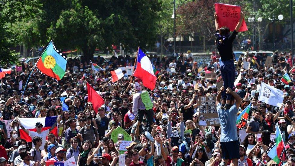 Protestas en Chile: cinco posibles escenarios para salir de la crisis más profunda desde el régimen de Pinochet
