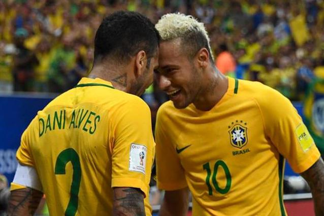 Dani Alves habló de sus diferencias con Neymar durante el Mundial de Rusia 2018